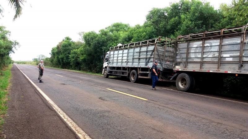 Uma das atividades é a realização de barreiras volantes de fiscalização de trânsito em locais estratégicos, como em São Borja