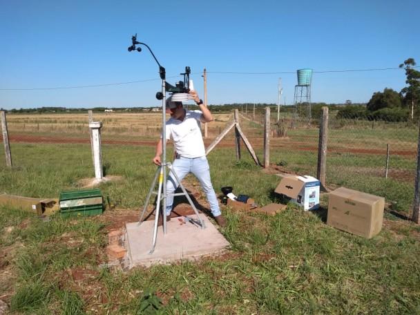 Instalação da Estação Meteorológica de São Borja, em parceria com a Fepagro
